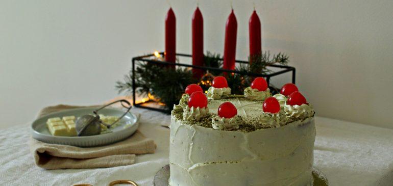 MATCHA Baršun torta – Velvet Matcha Cake sa maskarpone filom i ganašom od bele čokolade