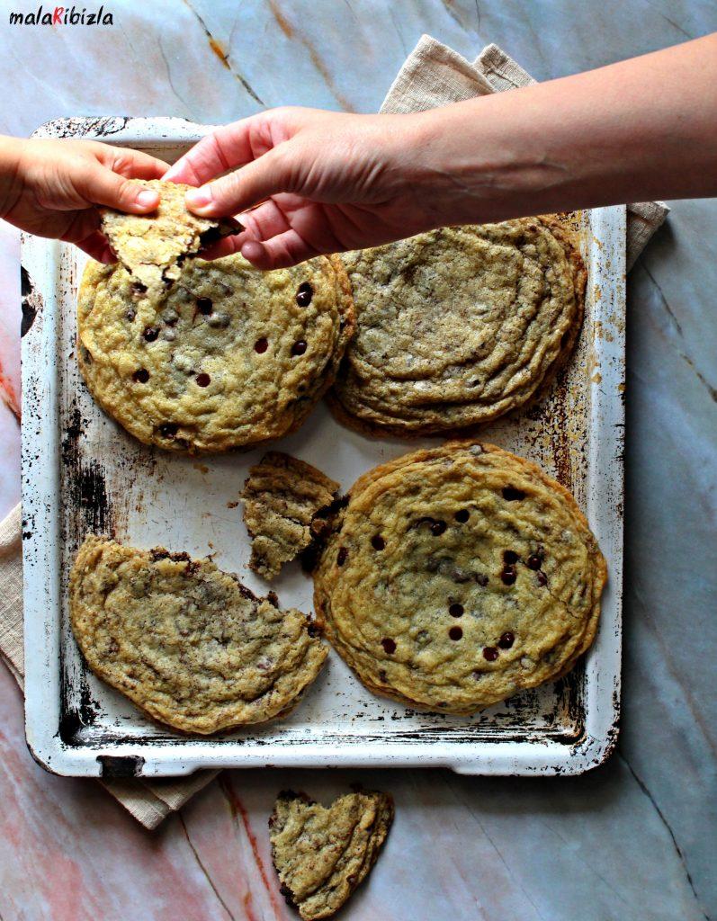 Veliki Čokoladni Keks Giant Chocolate Chip Cookie
